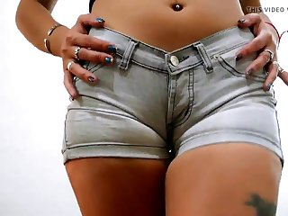 Super Tight Denim Shorts on Round Bore and Puffy Pussy Teen