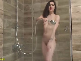 Monica Melody - Stepsister Peeing Onwards Shower