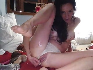 Webcam girl impede masturbation