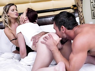 Mom-daughter home seduction in sensual threesome