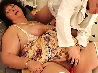extreme fat mom fucked by her hairdresser
